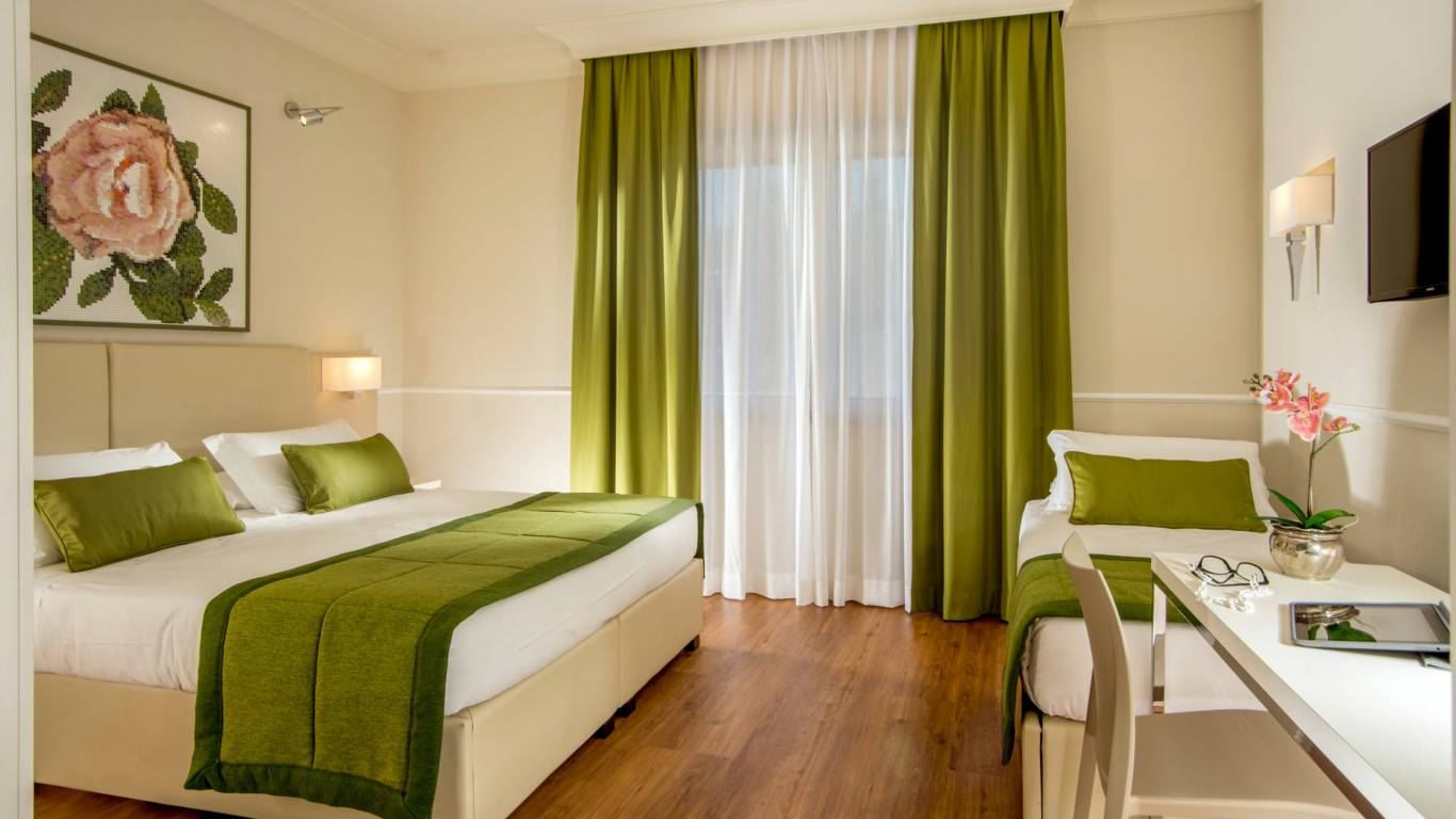 Hotel-Cristoforo-Colombo-Triple-Room
